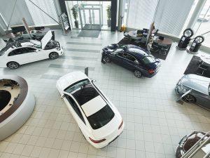 ¿Qué tengo que hacer para comprar un carro nuevo?