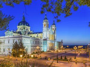 Métodos comunes para emigrar a España legalmente